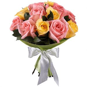 Букет из 11 розовых и желтых роз